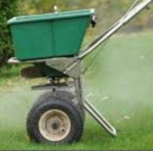 3 Benefits of Fertilizing your lawn
